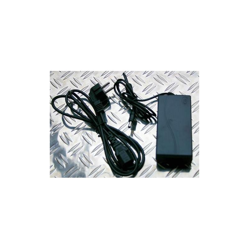 transformateur pour chargeur 220 12v 5a cordon et. Black Bedroom Furniture Sets. Home Design Ideas